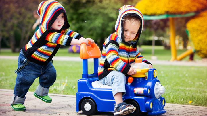 Relações entre pares - Brincar com outras crianças é importante!
